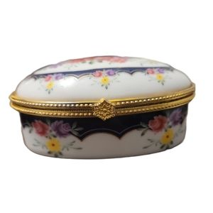 Vintage Porcelain Oval Trinket Jewelry Pill Box